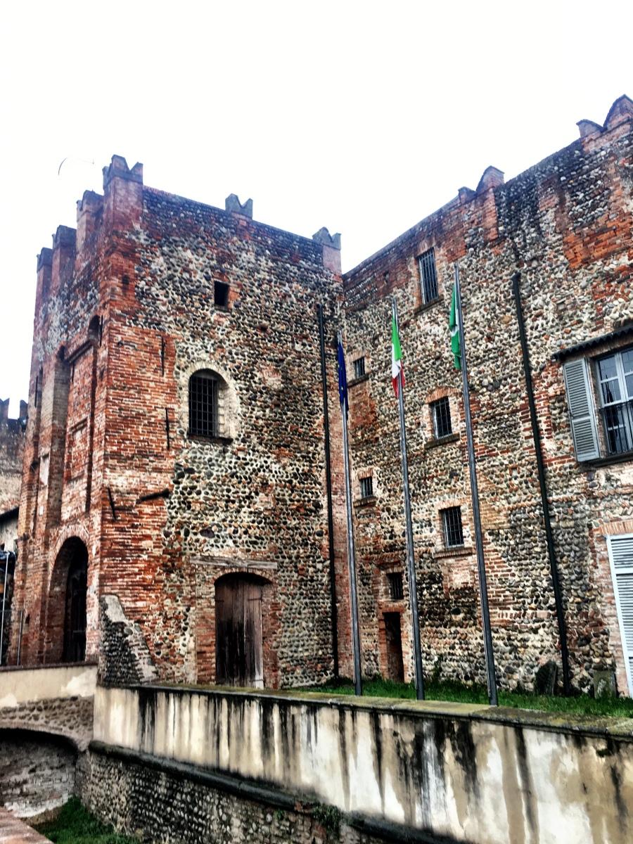 Visitare il castello di Barbò a Pumenengo, nella Bassa Bergamasca Orientale